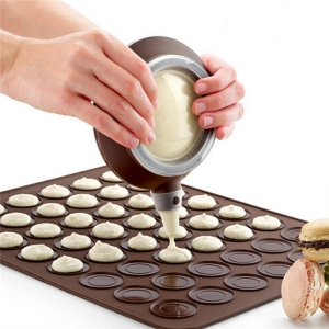 Nonstick Macaron Baking Mat,FDA Approved Silicone Cookie Macaron Baking Set with Piping Pot Nozzles