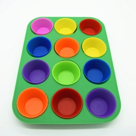 12 Cup Silicone Muffin Cupcake Baking Pan, Non-Stick Silicone Mold, Microwave Safe silicone muffin pan