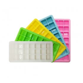 China 2018 Summer Classical Customized Color 21 Cavity Ice Cube Tray With lid factory