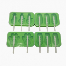 China 4 Pack FDA Grade Silicone Ice Pop Mold with Lid,Ice Cream Popsicle Maker with Sticks factory