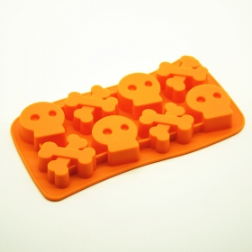 Factory Direct 8 Cavity Halloween style Silicone ice Skull ands Crossbone Cube Mould