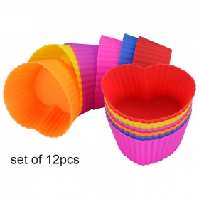 China Heart Shape Food Safe Silicone Baking Cups /SIlicone Cupcake Liners / Silicone Muffin Cups factory