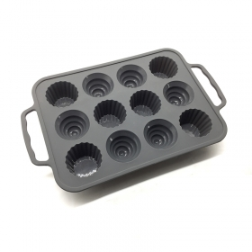 New Arrival Easy to take Steel reinforced FDA Silicone Muffin baking Pan Wholesale