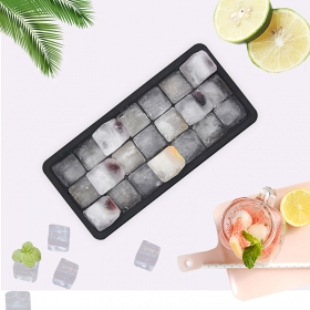 Set of 2 Silicone Ice Cube Trays With Lids  Makes 21 Ice Cubes, Food Grade Silicone BPA Free Ice Trays
